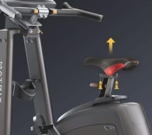 Вы можете присоединить рукоятки, сиденье и педали шоссейного велосипеда, чтобы максимально смоделировать реальную гонку