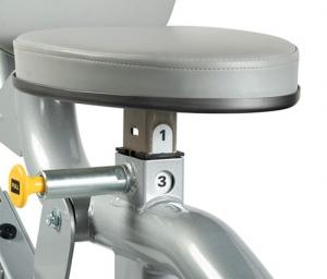 Дельтовидные сидя RS-1502 HOIST