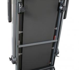 Опора, автоматически регулирующая необходимый угол для установки тренажера в вертикальное положение сразу после завершения тренировки