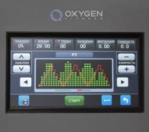 7 дюймовый (17.8 см.) сенсорный полноцветный LCD дисплей с полной русификацией