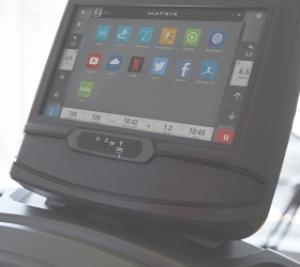 Все для комфортной тренировки: подстаканники для бутылок, клавиши управления soft-touch, сенсорные датчики и алюминиевые боковые поручни