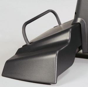 Удобная ручка и специальные транспортировочные колесики для перемещения тренажера в помещении