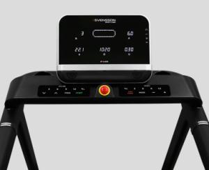 Тренировочный компьютер представлен дисплеем коммерческого уровня