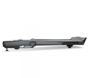 В сложенном виде толщина тренажера составляет 22 см. Моторный отсек находится на одном уровне с рамой деки и выглядит как единое целое